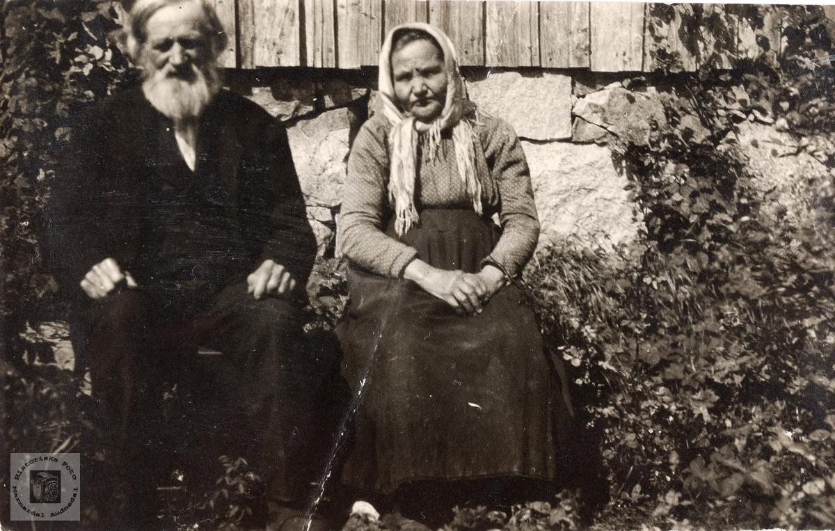 Portrett av ekteparet Isak og Inger Barstad. Konsmo Audnedal.