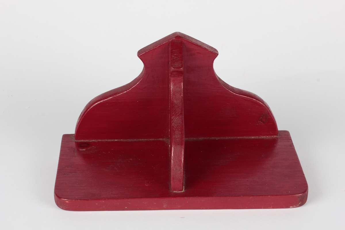 Form: Profiliert konsoll og bakstykke
