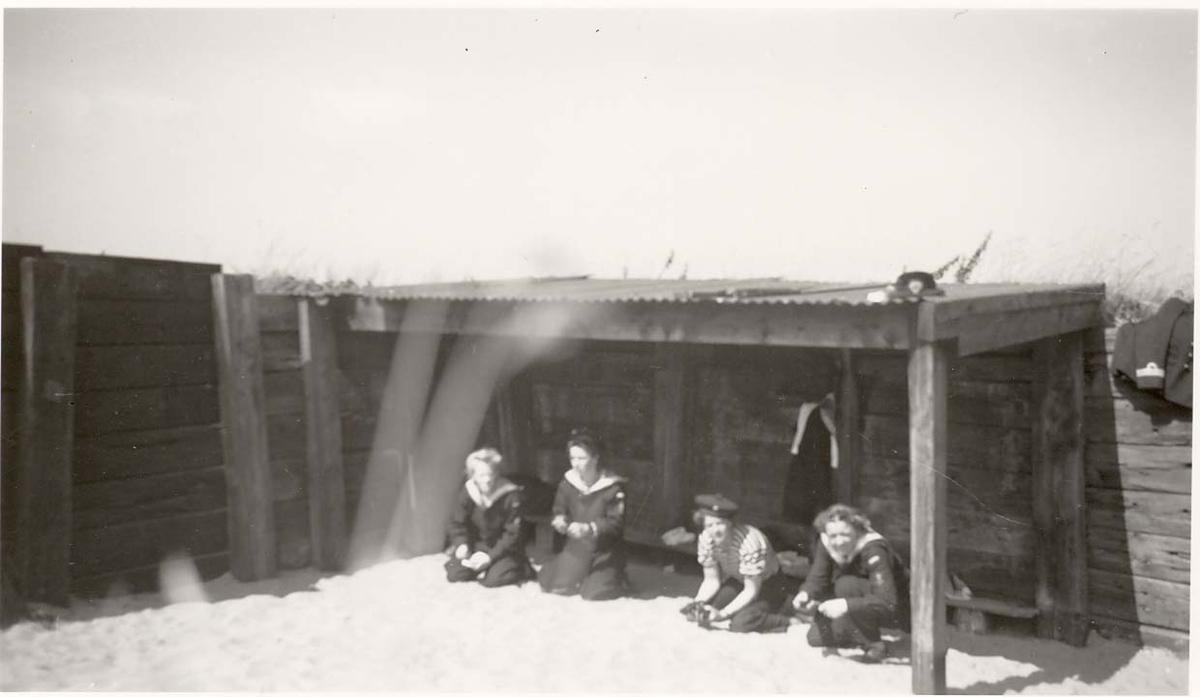 Motiv: Marinens Kvinnekorps 1942-1945 På pistolbanen