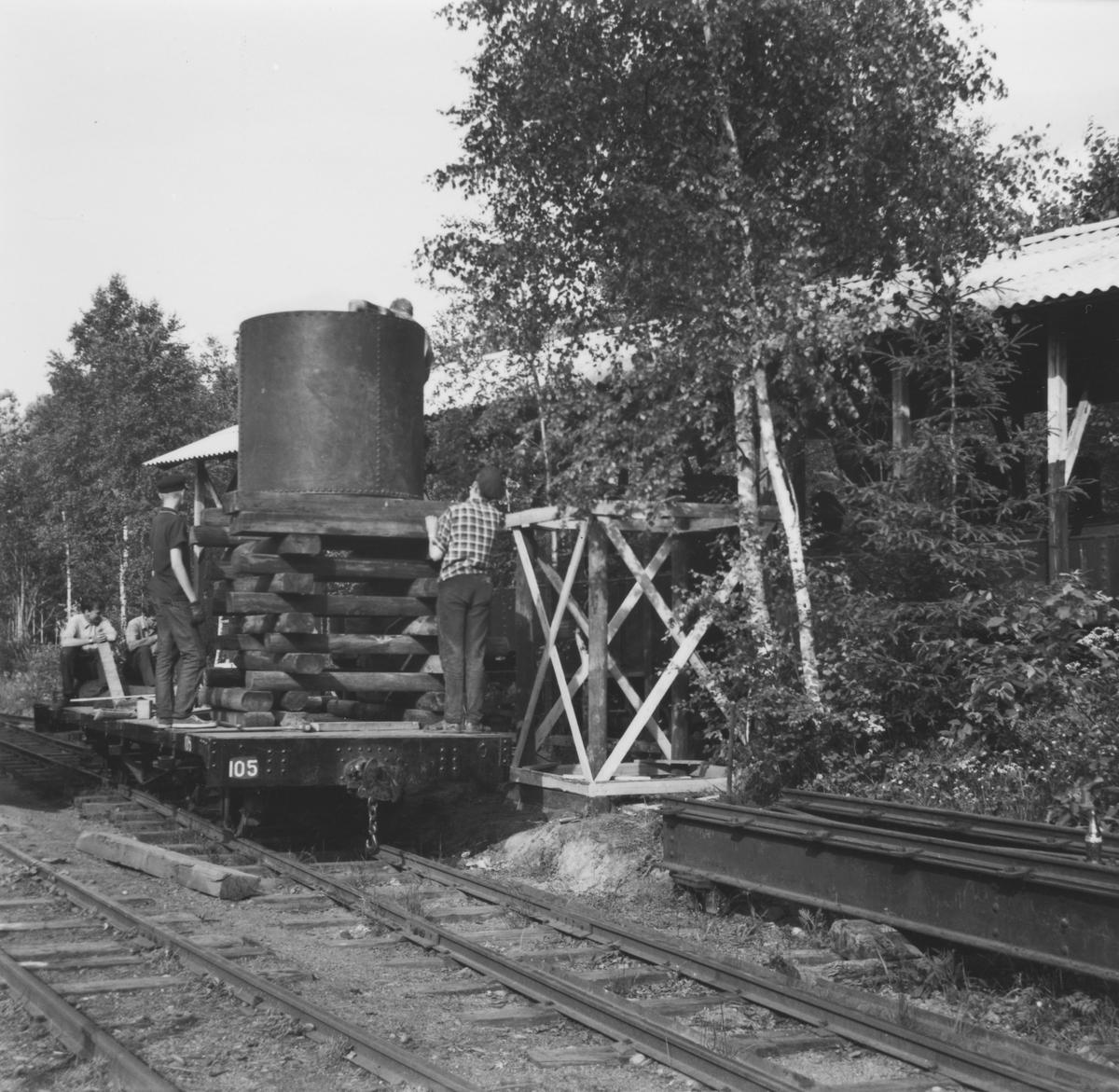 Tanken fra vanntårnet på Killingmo stasjon ble flyttet til Bingsfoss.