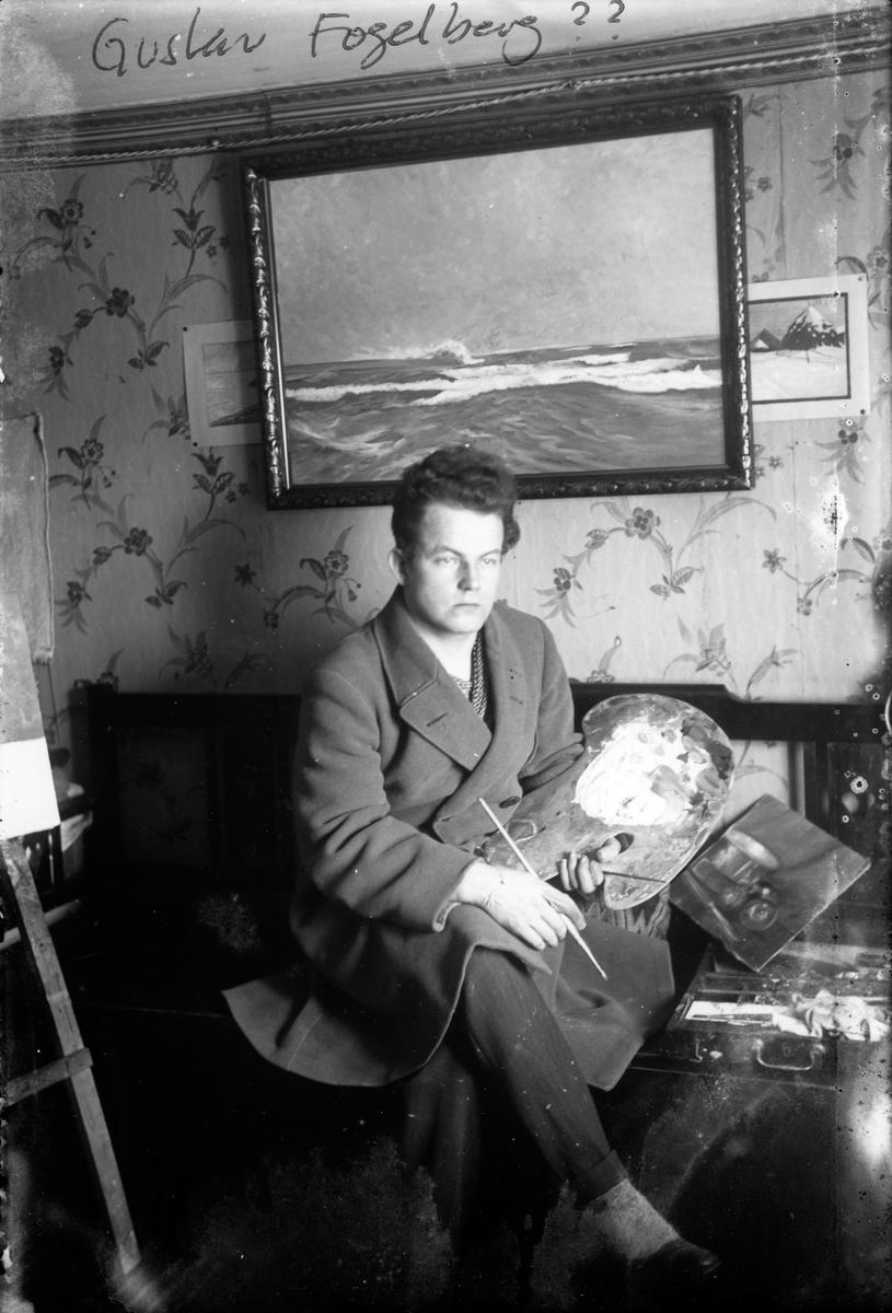 Gustav Fogelberg i sin ateljé på Lillgatan i Jönköping.