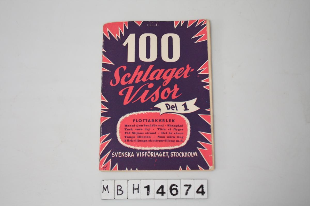 """""""100 Schlagervisor del 1"""". 96 sider. Stiftet sammen. Sangtekster."""