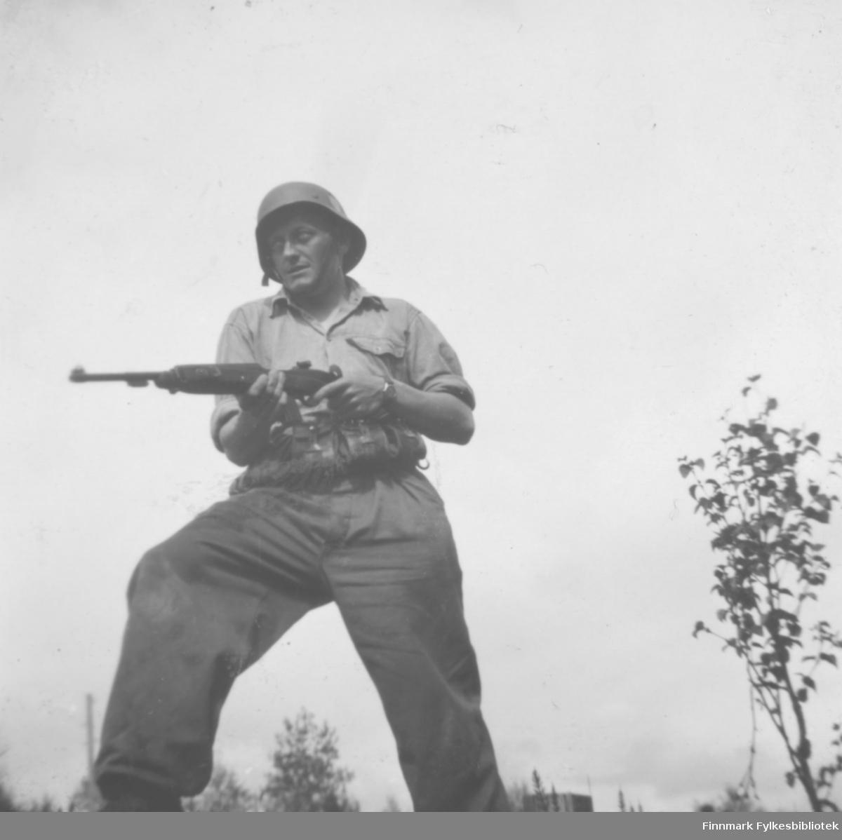 Fritz Ebeltoft på repetisjonsøvelse på Drevjamoen, 1953-1956