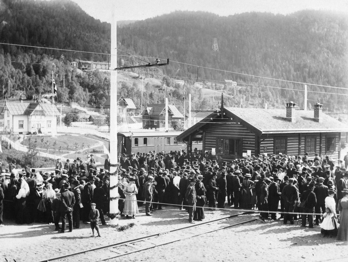Fra stasjonsområdet på Løkken Verk, 15. august 1910.