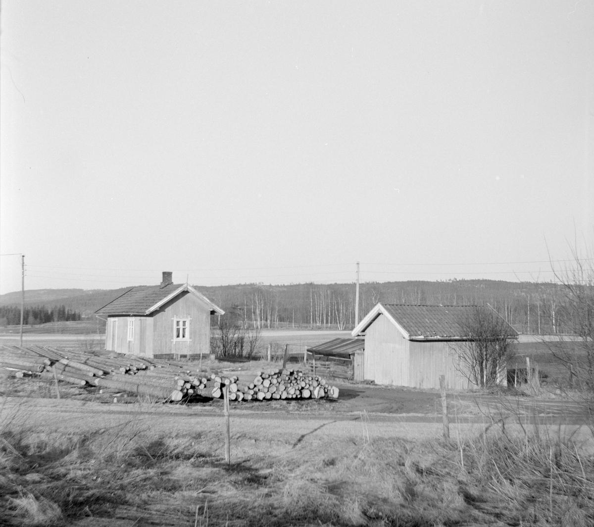 Ved Hornåseng stasjon åtte år etter Urskog-Hølandsbanens nedleggelse.