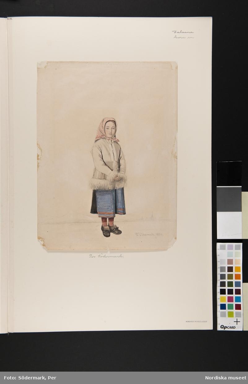 Flicka i Moradräkt med skinntröja, Mora. Akvarell av P.Södermark.
