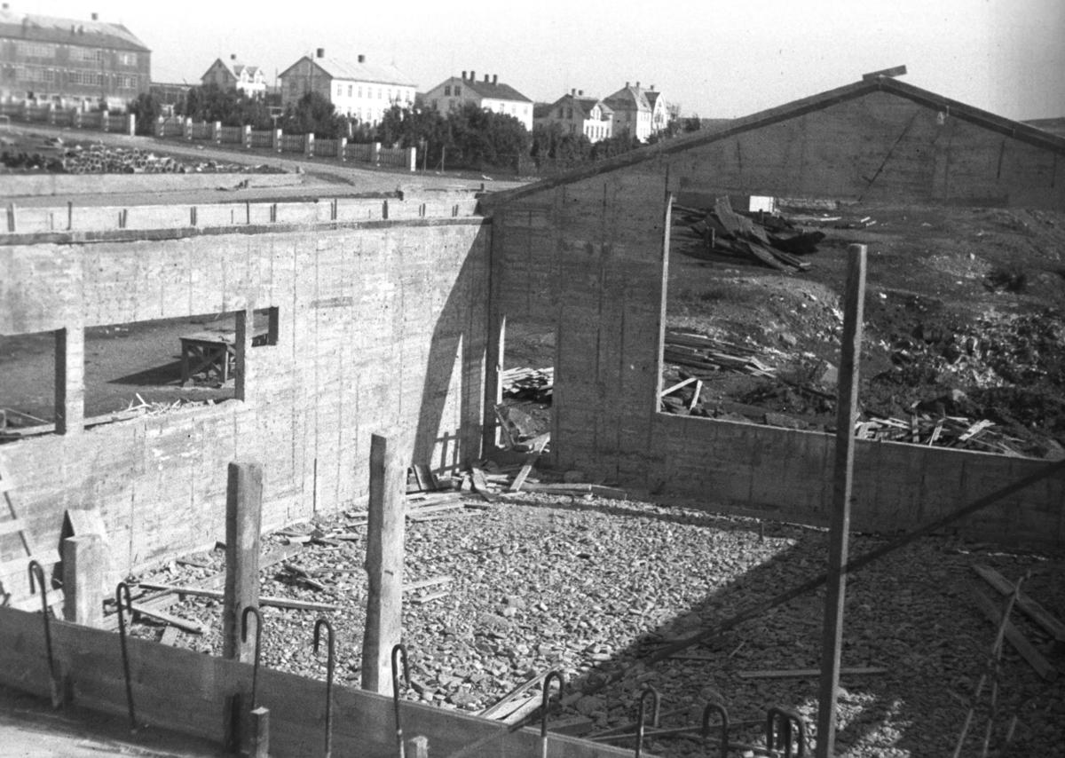 """Bygging av kulturhuset """"Vårbrudd"""" i Vadsø."""