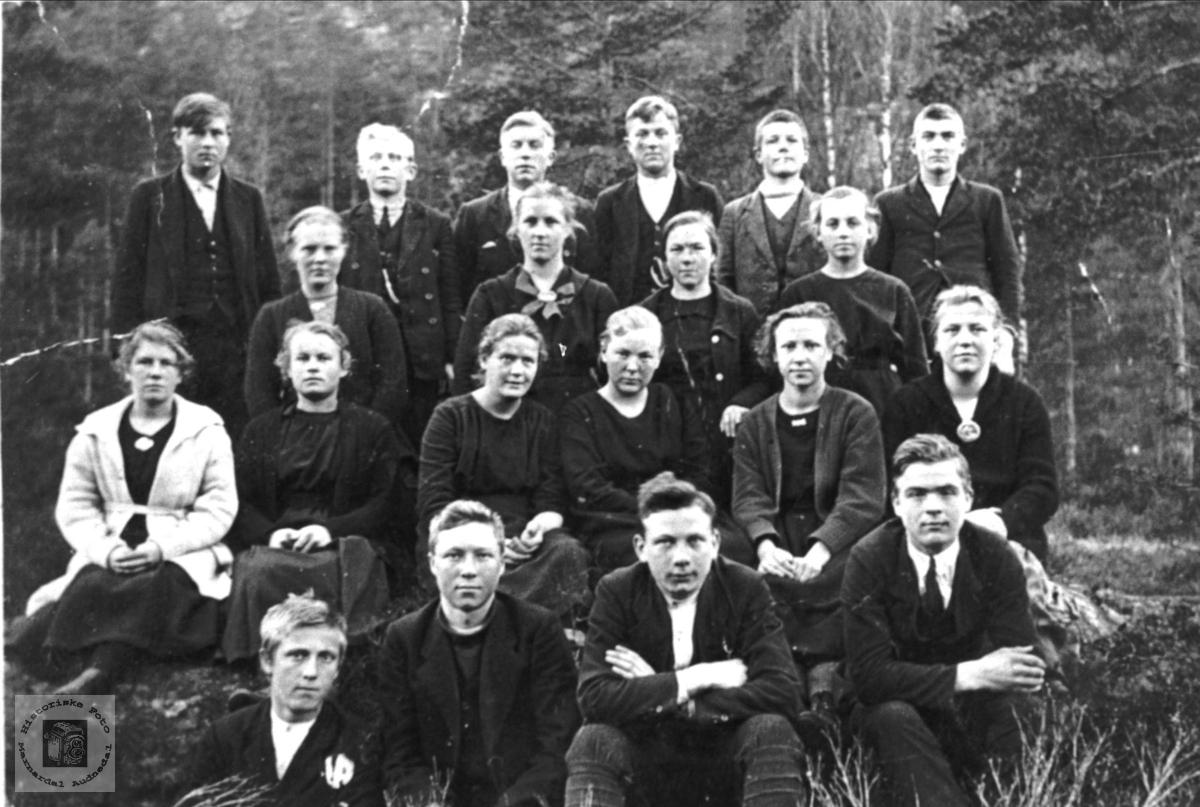 Skolebilde - Framhaldskulen på Bjelland