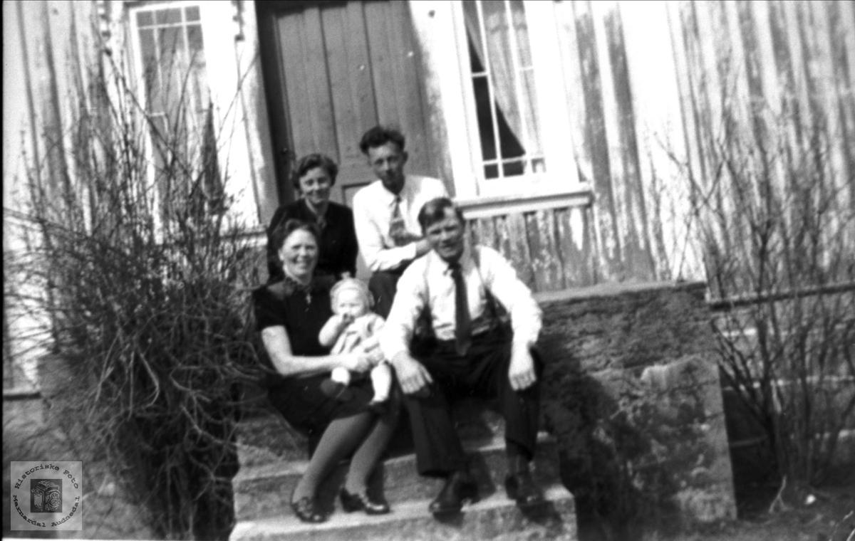 Personer på trappa på Vådne