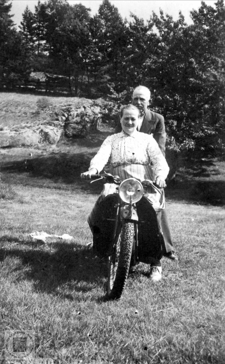 Par på motorsykkel