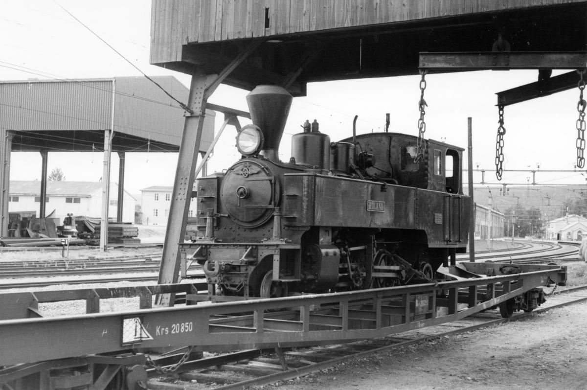 Damplok 6 Høland er lastet opp på transportvogn Tso4 for transport til Oslo for hovedrevisjon / kjelrevisjon.
