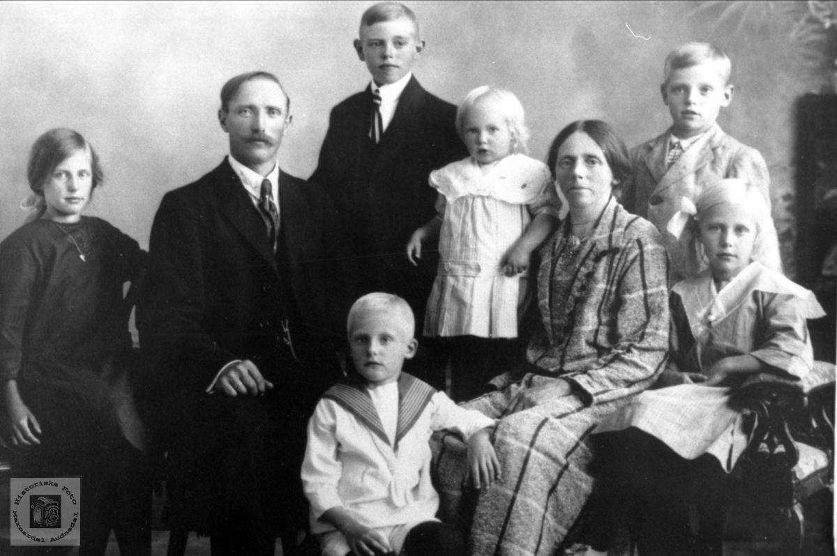 Familie. Aaukland, Sveinall.