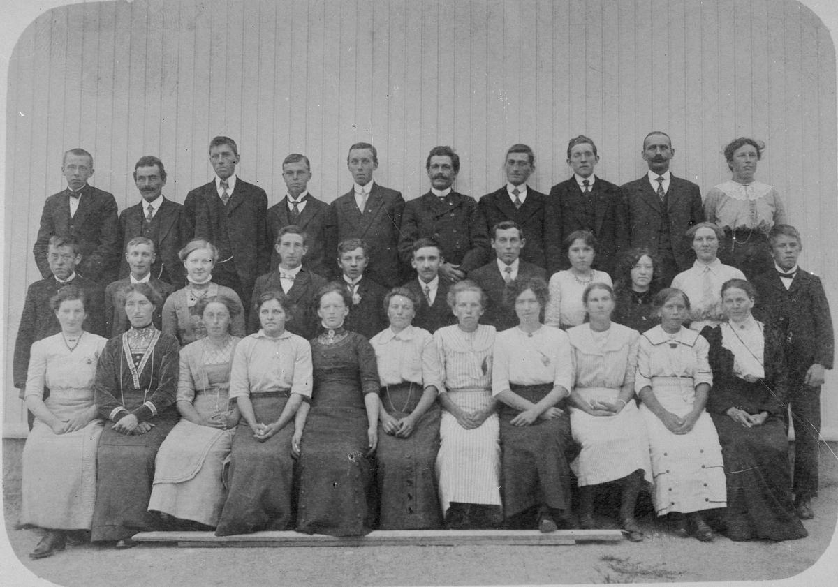 Dalefjerdingen Ungdomsforening 1912.