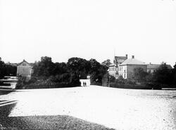 Stora torget mot Söder. Till vänster i bild syns Alströmersk