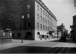 Österlånggatan söderut med Grand-Hotell i kvarteret Apollo t
