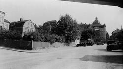 Nybrogatan mot söder vid Tryckerigatan med kvarteret Ajax t.