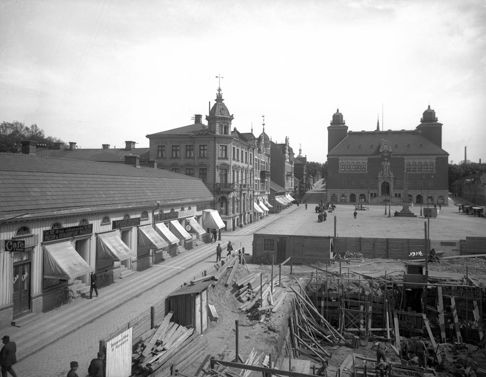 Stora Torget. Handelsbanken byggs.