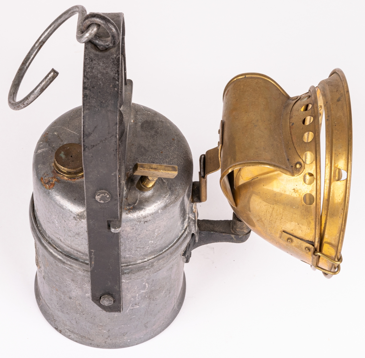 "Karbidlampa från kristiden 1914-1919.  ""Carbo. Trade Mark. Made in Sweden""."