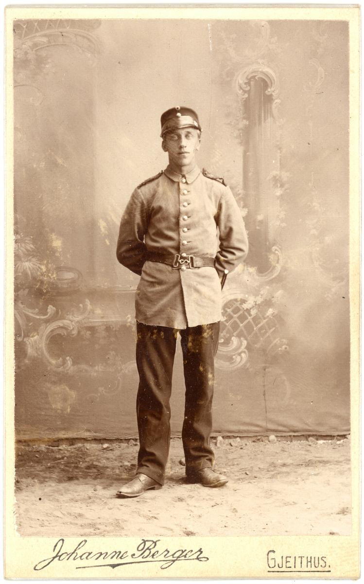 Mann i uniform, Kittil Busil Nymoen