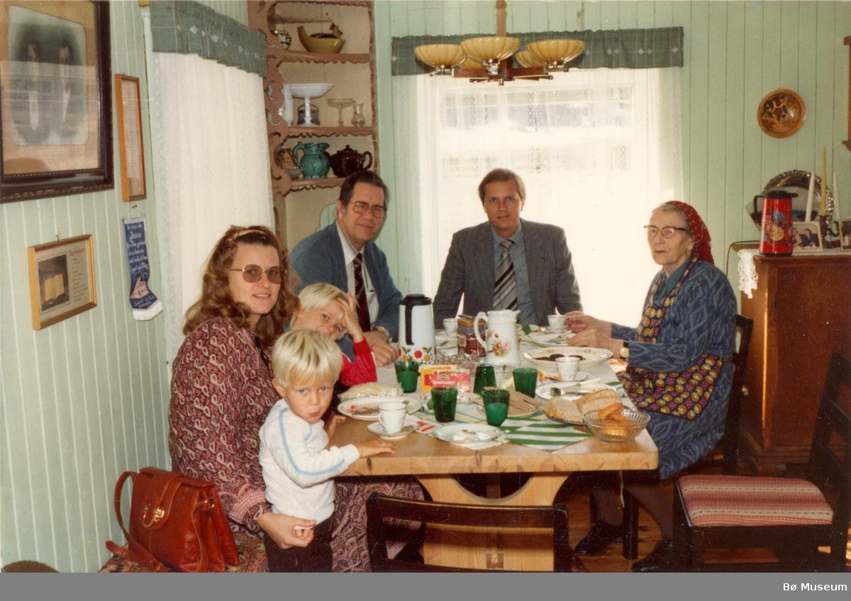 Familien Pedersen hos Aslaug Øia