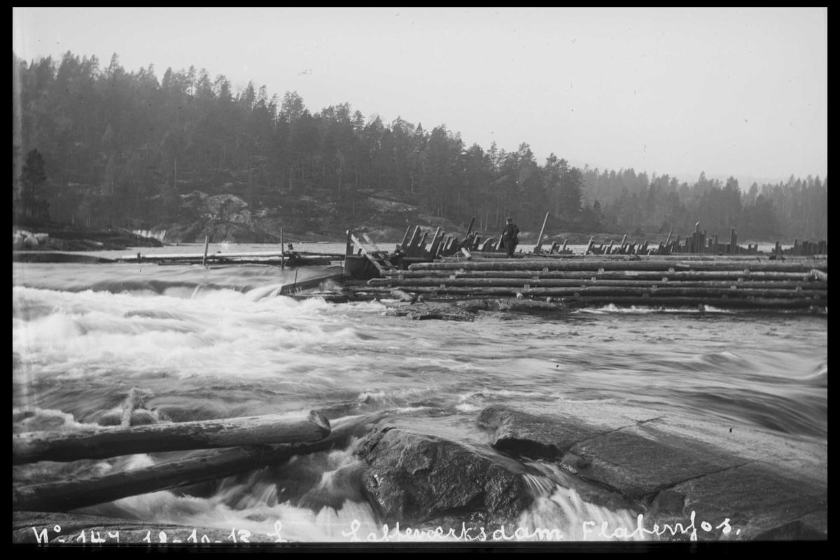 Arendal Fossekompani i begynnelsen av 1900-tallet CD merket 0446, Bilde: 70 Sted: Fyrisvann dam Beskrivelse: Regulering.