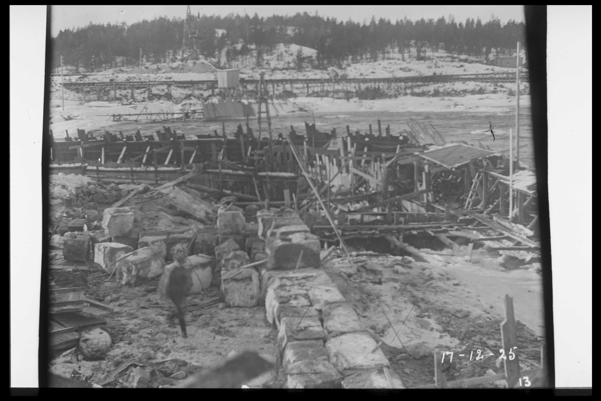 Arendal Fossekompani i begynnelsen av 1900-tallet CD merket 0468, Bilde: 2 Sted: Flaten Beskrivelse: Under utbygging