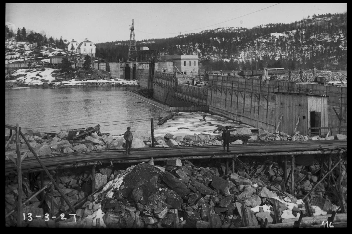 Arendal Fossekompani i begynnelsen av 1900-tallet CD merket 0565, Bilde: 15 Sted: Flaten Beskrivelse: Dammen sett fra nord-vest