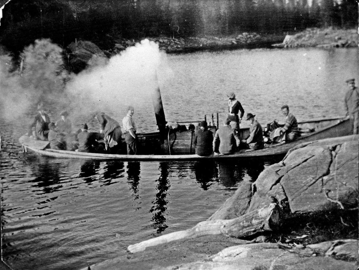 """På båttur med """"Lerka"""" på Børtervannet"""