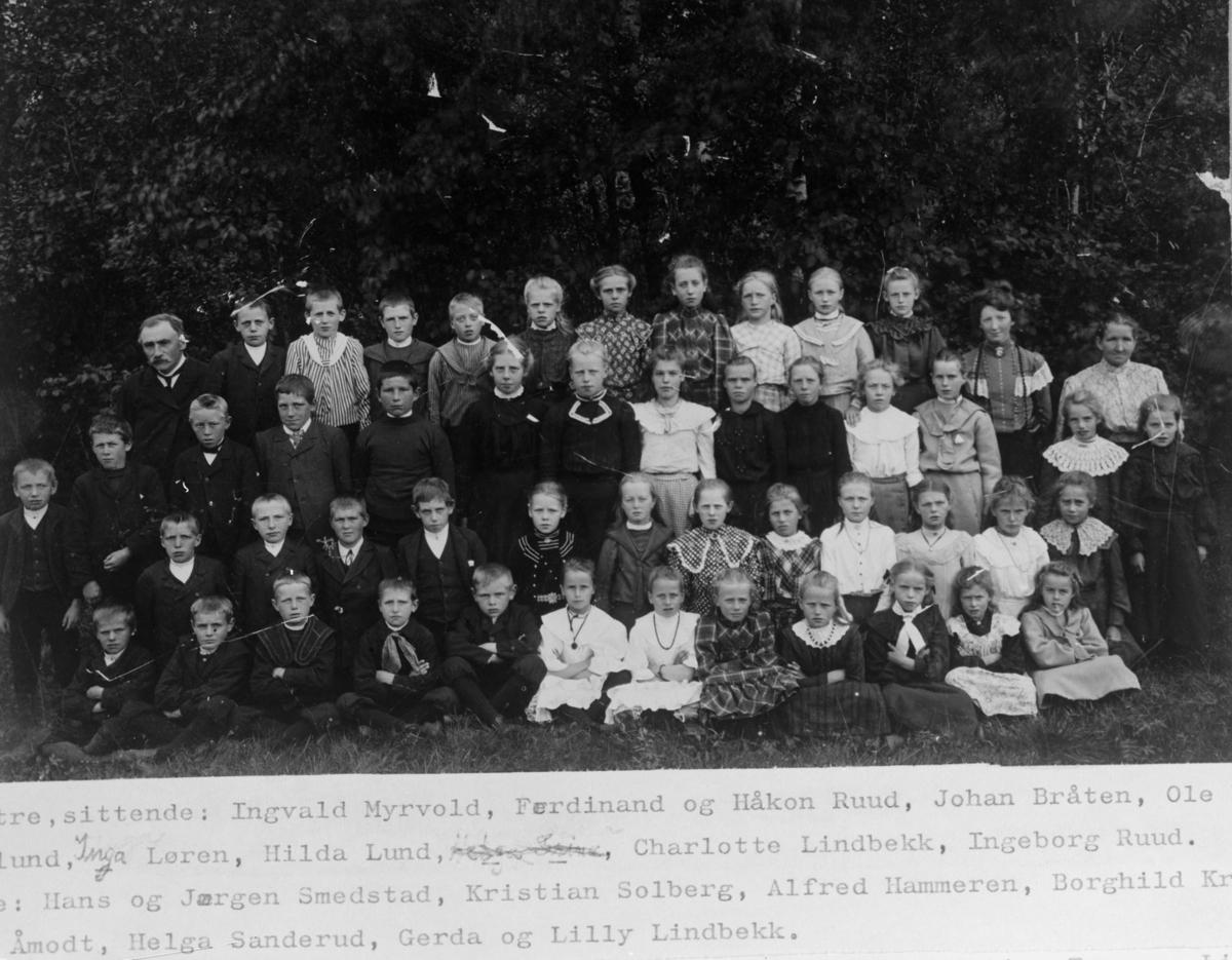 Elever og lærere på Nygård skole