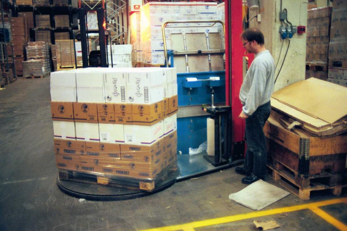 Lagerarbeid, emballasje, pakking, arbeider, fabrikkmiljø