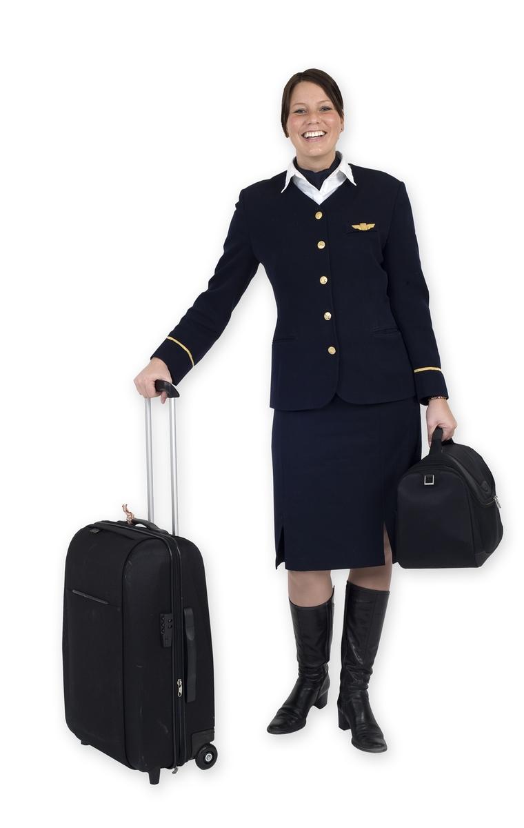 Vesker. Intervjuperson - ungt par - kvinne i jobbuniform/stewardesse med jobbevesker. Studiobilde i forbindelse med samtidsdokumentasjonsprosjekt - Veskeprosjektet 2006.