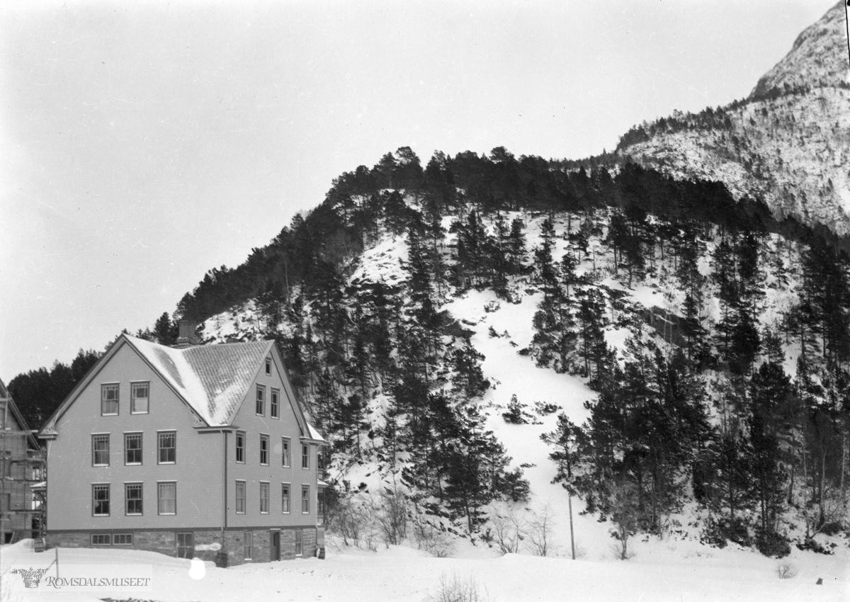 Toenberghuset ..(Edvard var i Amerika fra april 1896 til desember 1910)