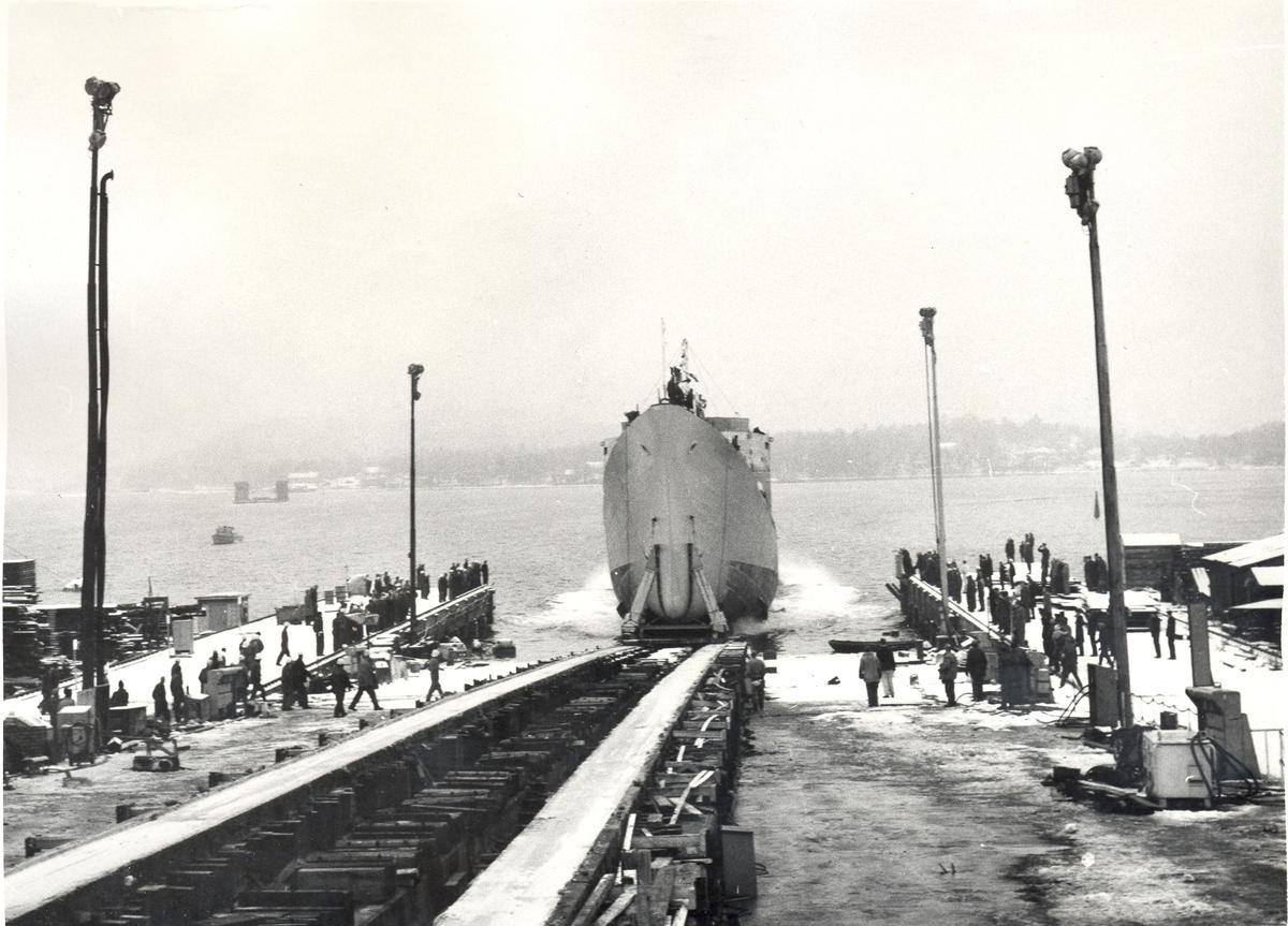 Enkeltbilde. Fra sjøsettingen av Fregatten KNM Narvik.