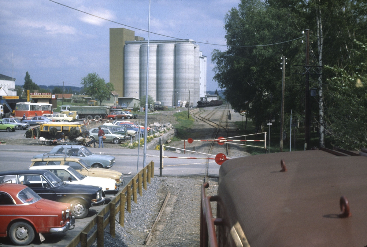 Godstog på Skreiabanen, utsikt fra lokomotivet