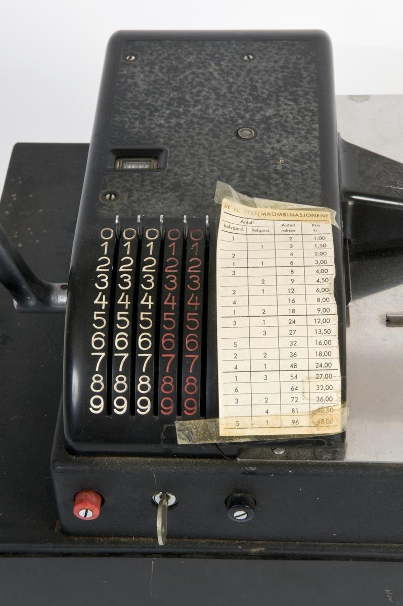 Hugin kassaregister med 19 systemkombinasjoner til bruk for tipping.