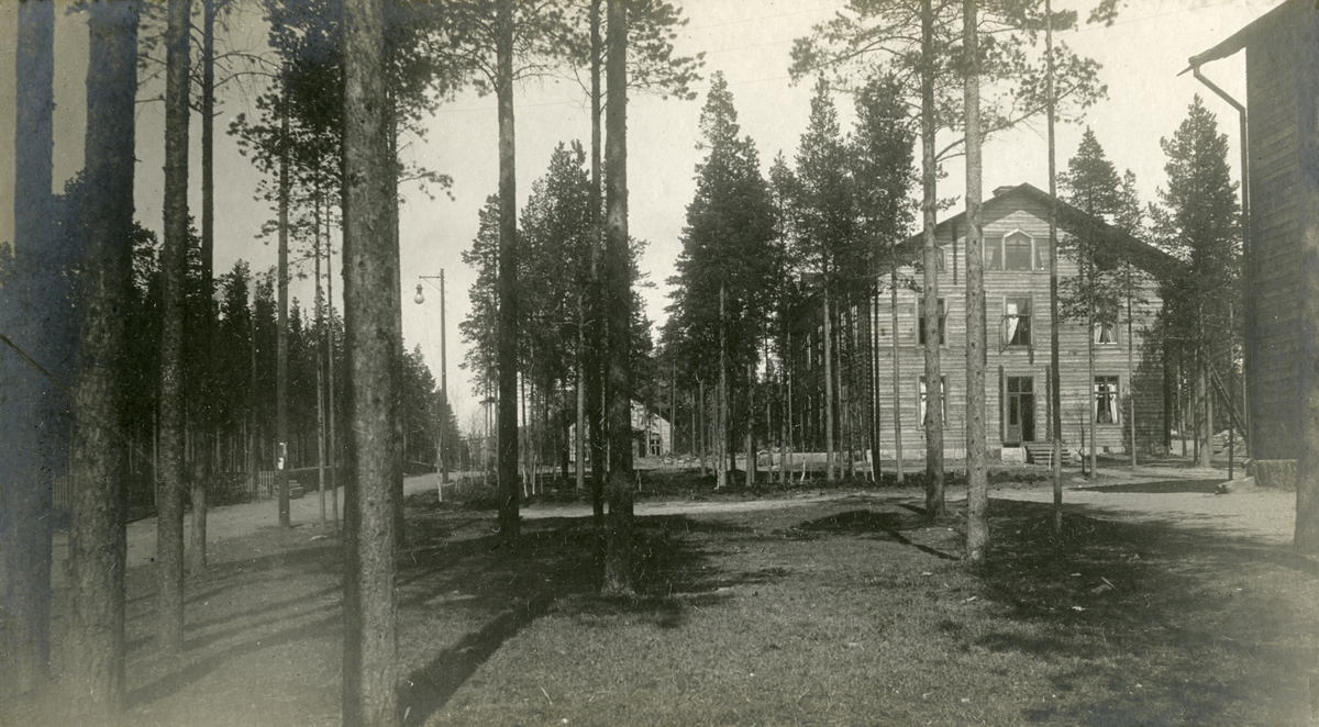 Ingenjörsbostaden och laboratoriet vid Norbottens Malmförädlingsfabrik på Svartön i Luleå i maj 1901.