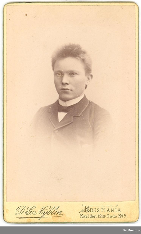 Ung mann, portrett