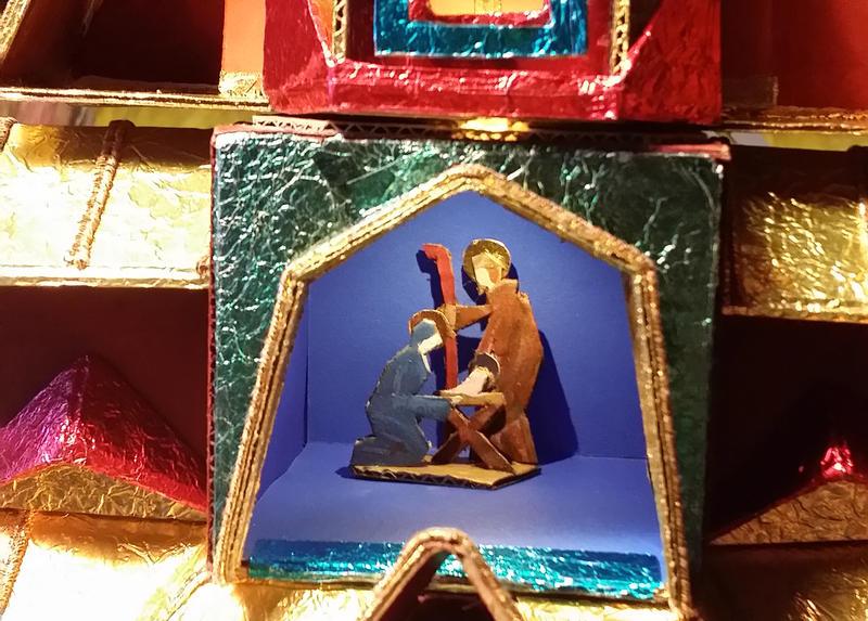Polsk julekrybbe inspirert av stavkirke