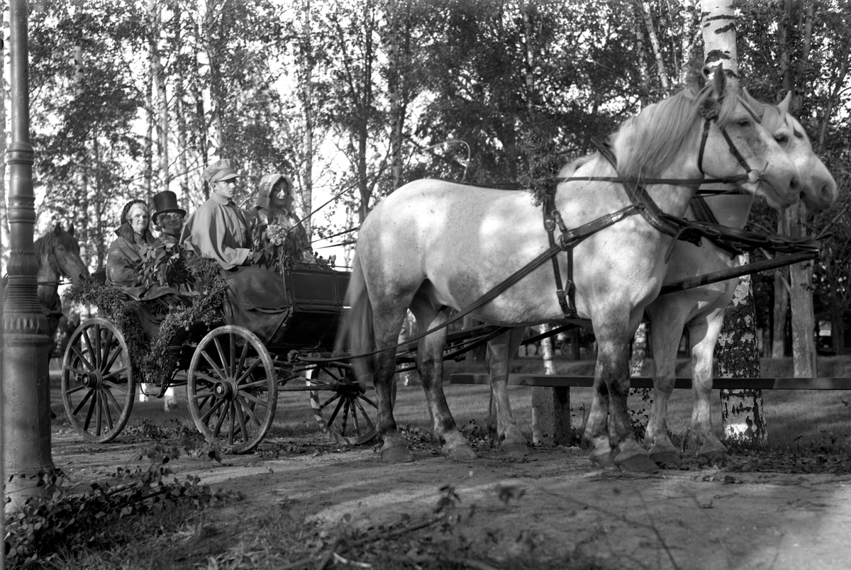 Bildsvit från det historiska festtåget, ett inslag i Värmlandsutställningen år 1929.