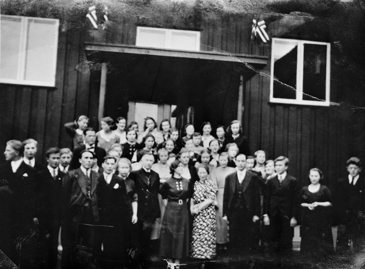 Svanvik Ungdomsskole, første kull 1936-1937.