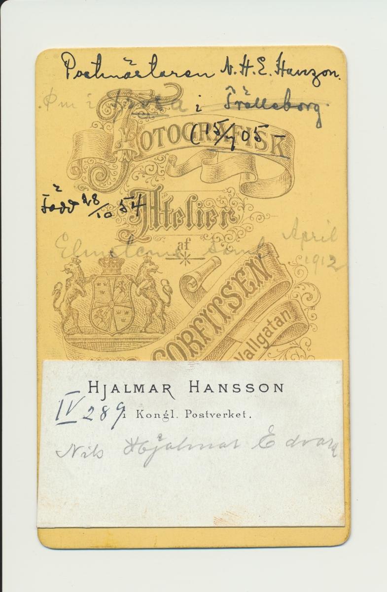 Porträtt av Nils Hjalmar Edvard Hanzon, postmästare i Trosa 1892-1899, i Mariefred 1899-1905 samt i Trelleborg 1905-1921.