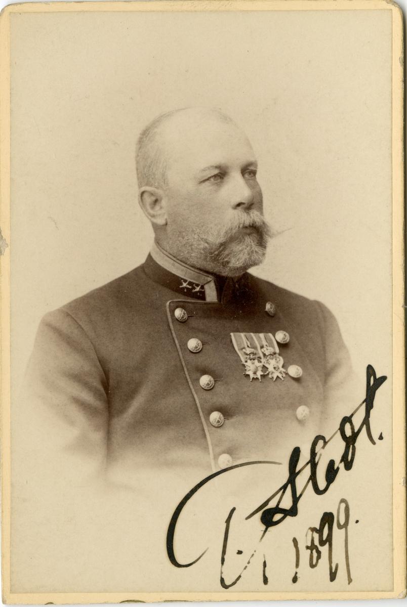 Porträtt av Nils Gustaf Stedt, major vid Generalstaben. Se även AMA.0009668.