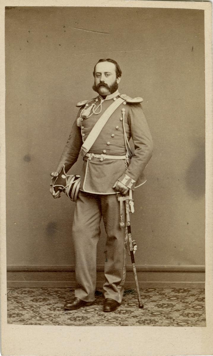 Porträtt av Carl Alfred Sterky, löjtnant vid Livgardet till häst K 1.