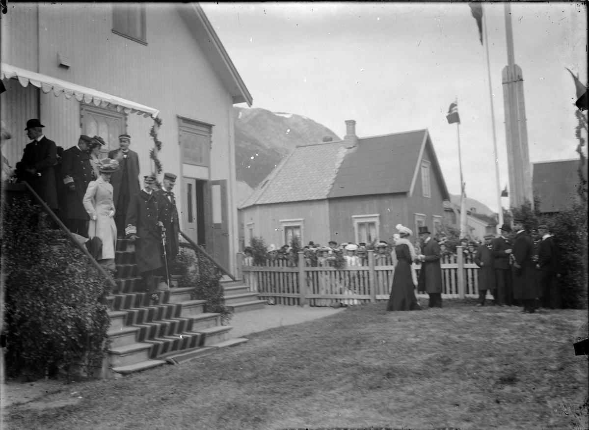 Kong Haakon VII og Dronning Maud på besøk i Mosjøen i 1907