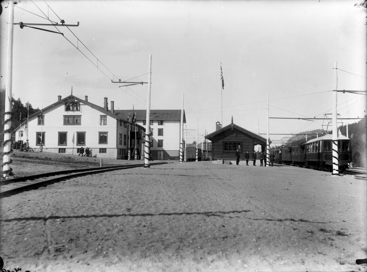 Åpningen av Løkkenbanen. Løkken stasjon.