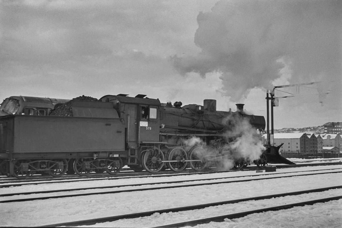 Damplokomotiv type 26c nr. 378 på Trondheim stasjon.