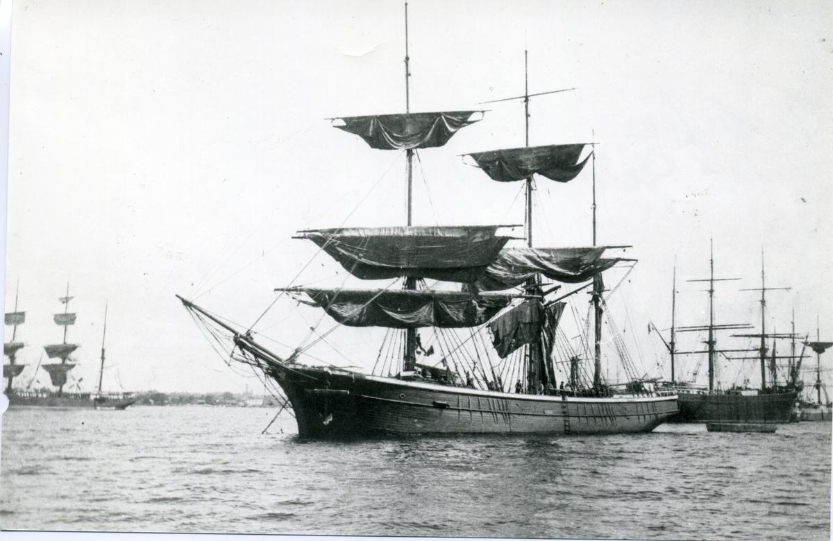 Barken Fredenborg ägdes av Gustaf Erikson 1914 - 1916.