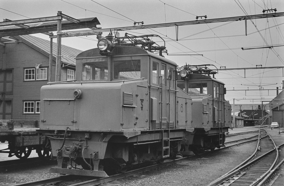 Thamshavnbanens lokomotiv nr. 5 og 6.