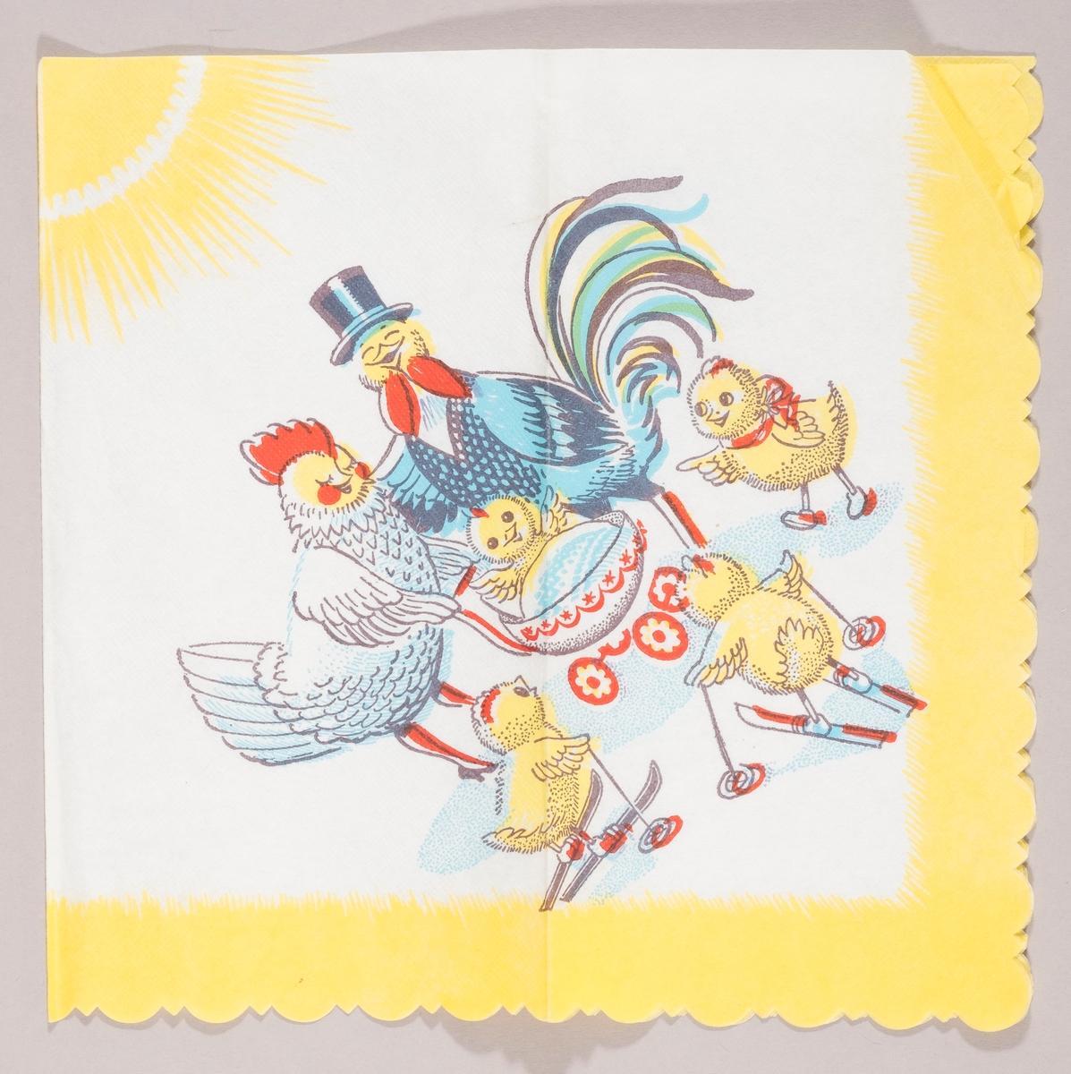 En hanefar med vest og flosshatt og en hønemor med en barnevogn med en liten kylling oppi hilser på tre kyllinger. To av kyllingene går på ski og en står og peker med vingen. Solen stråler i bakgrunnen. Gul kant.