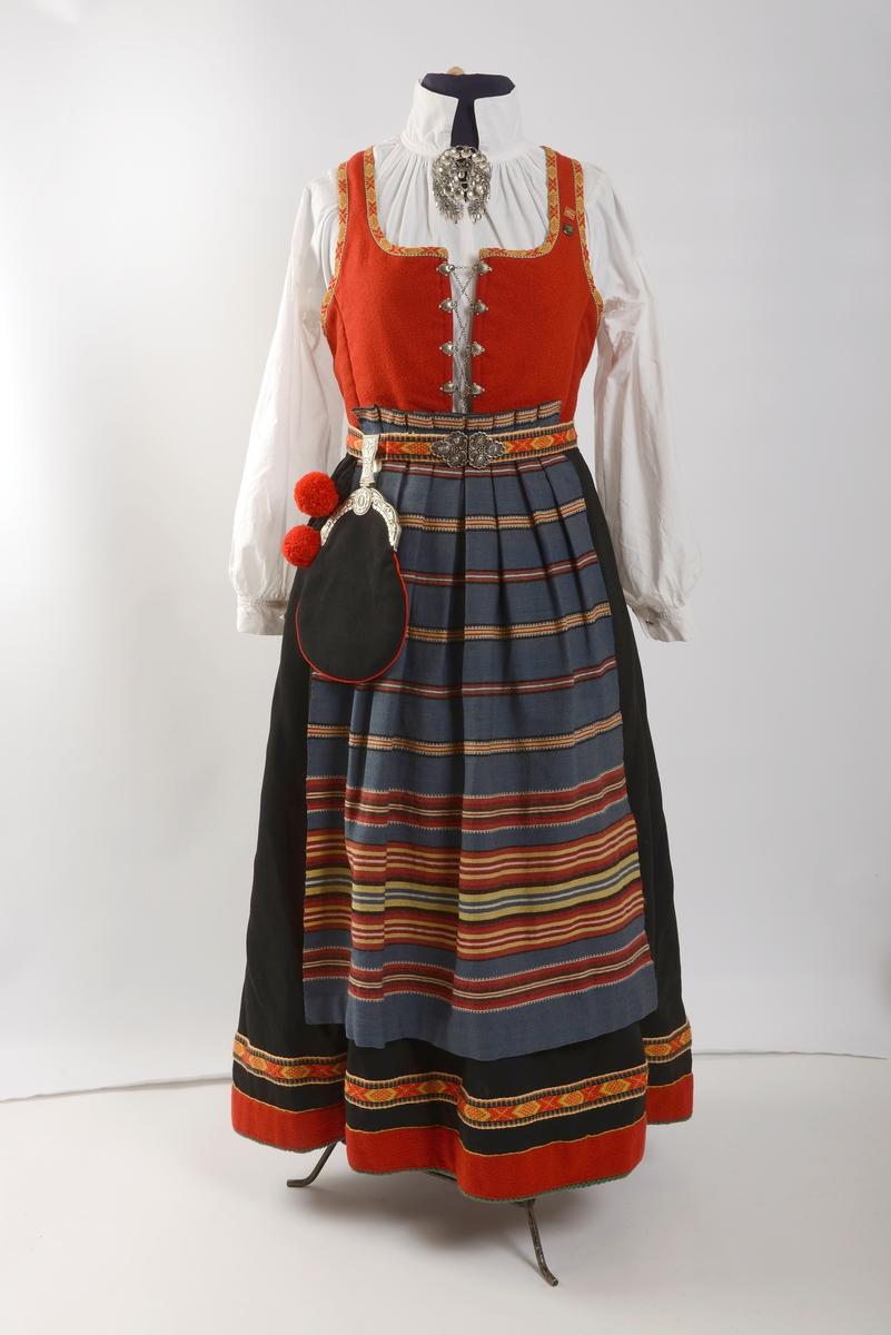 Bunadsveske Anno Kvinnemuseet DigitaltMuseum